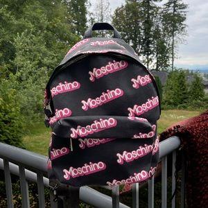 5️⃣9️⃣0️⃣Barbie Moschino Backpack